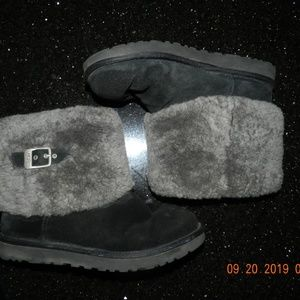 Women's Ugg Grey Sherpa Lined Black Ankle Boots
